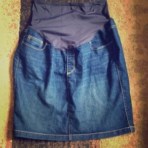 Maternity denim skirt